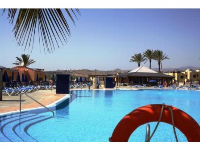 2-3 bedroom, 2 bathroom self catering accommodation bungalow in Meloneras, nr Maspalomas Gran Canaria - sleeps 5